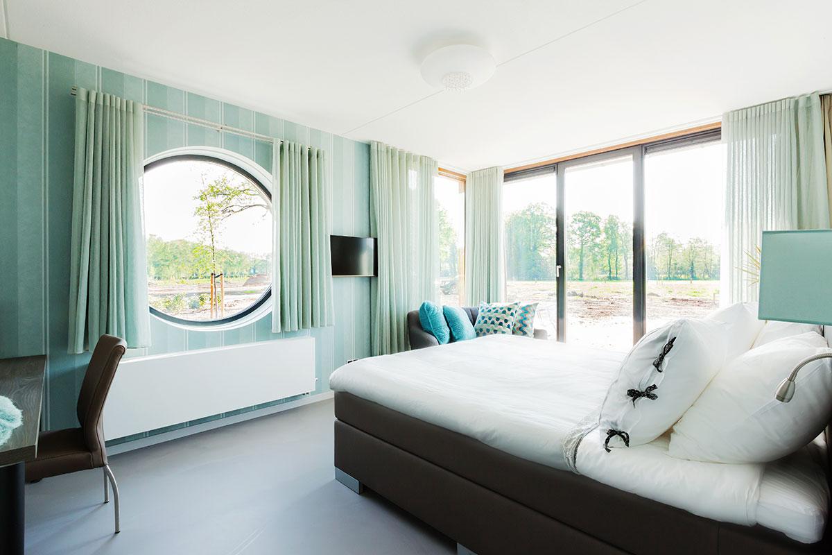 Kamer deurningen is gelegen op de eerste verdieping en heeft een fijn balkon - Kamer heeft een mager ...