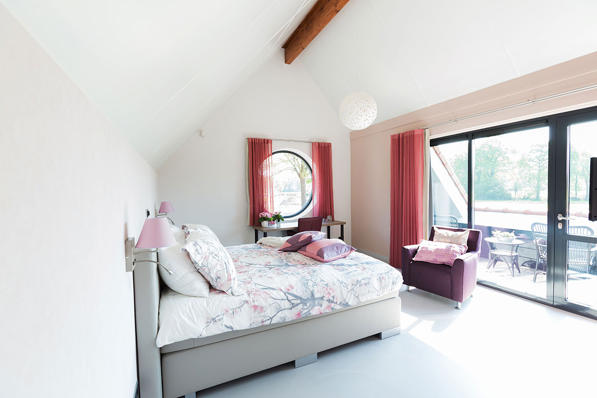 Kamer gammelke is gelegen op de begane grond en heeft een eigen terras - Kamer heeft een mager ...